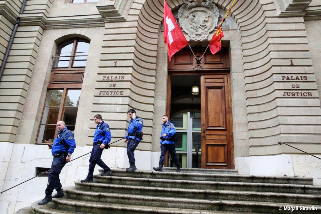 Policiers_PalaisJustice_4mai2015_©MagaliGirardin